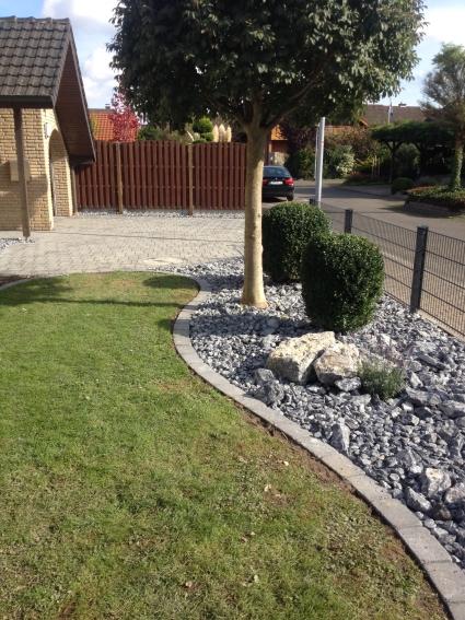 robin sudhoff - garten & landschaftsbau - vorgarten mit einfahrt, Garten und Bauen